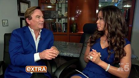 Dr Grant Stevens interviewed about Cellfina at Marina Plastic Surgery on EXTRA